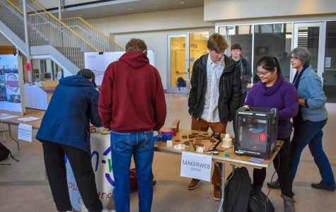 Popup STEAM Event Takes Place in Wold Atrium
