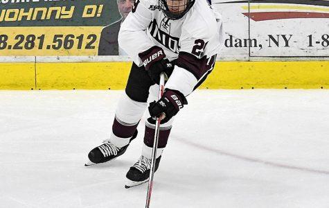 Men's Hockey Team falls against Boston University 7-3