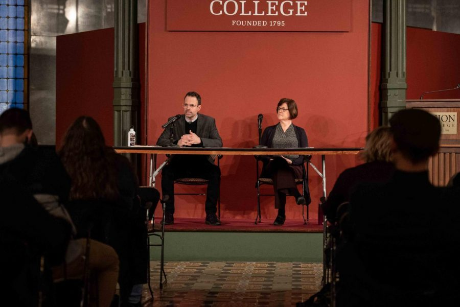 Professors Hays and Oxley during the impeachment discussion in the Nott Memorial